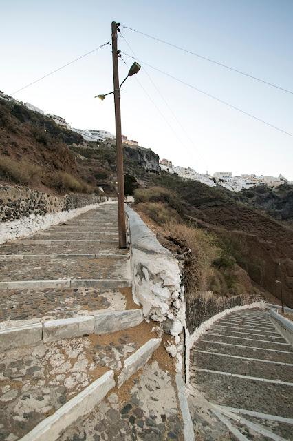 Scaloni per il Porto di Santorini