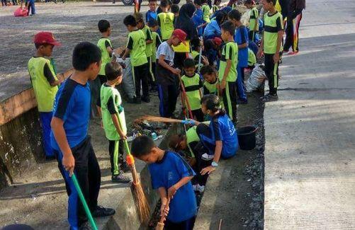 Dikbud Gandeng Guru Dan Siswa, se- Kota Benteng Laksanakan Kerja Bakti
