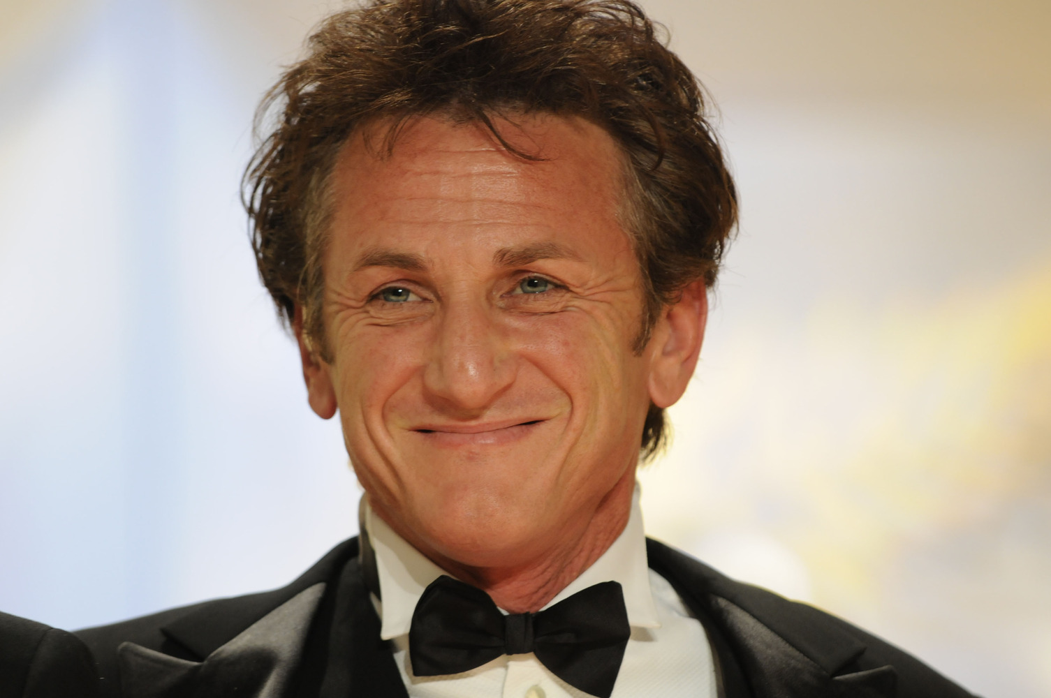Sean Penn Profile