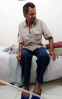 Deficiente visual encontra-se à procura de familiares na cidade de Jaçanã no RN