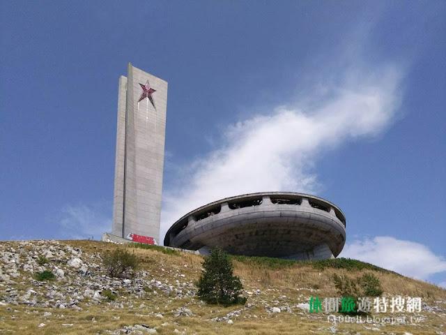 [保加利亞/哈吉迪米特爾山] Buzludzha - 巨型幽浮廢墟 X 蘇聯建築遺跡