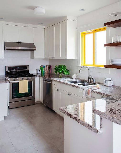 Rama galbena fereastra bucătărie