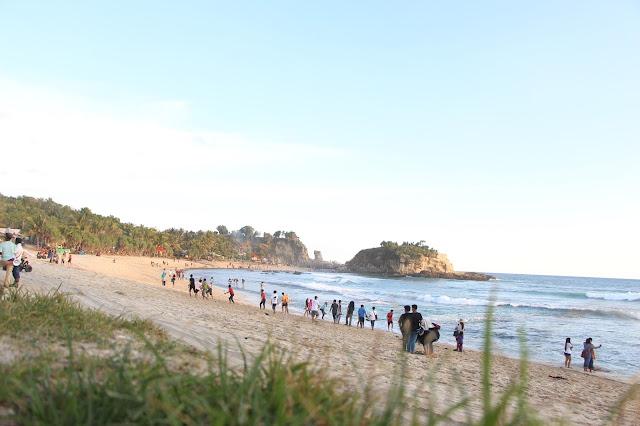 Info Wisata Pantai Indah di Jawa Timur, Pantai Klayar