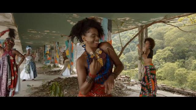 Novo clipe do Seun Anikulapo Kuti filho do Fela Kuti, homenageia a luta da mulher preta