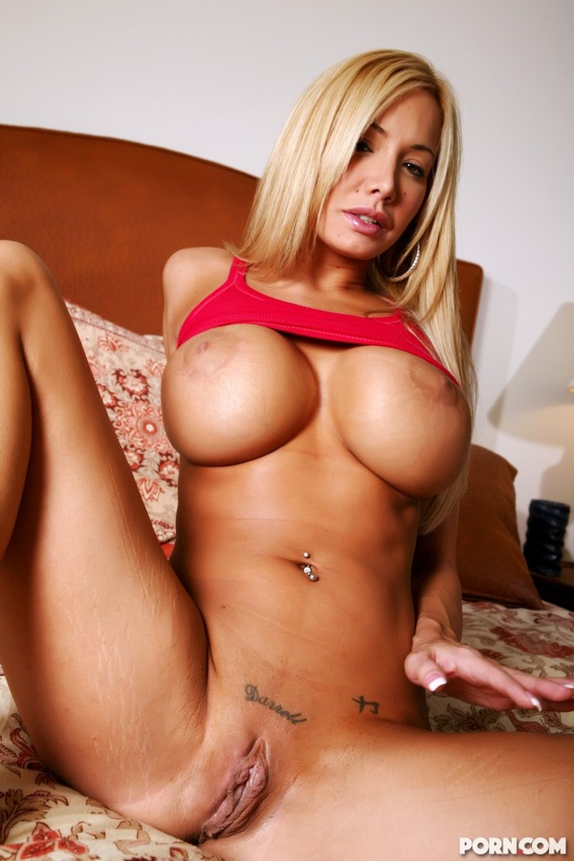 Penthouse pet nikki benz loves phoenix marie amp her tongue