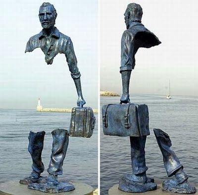 De la serie «Les Voyageurs» del escultor francés Bruno Catalono (1960).