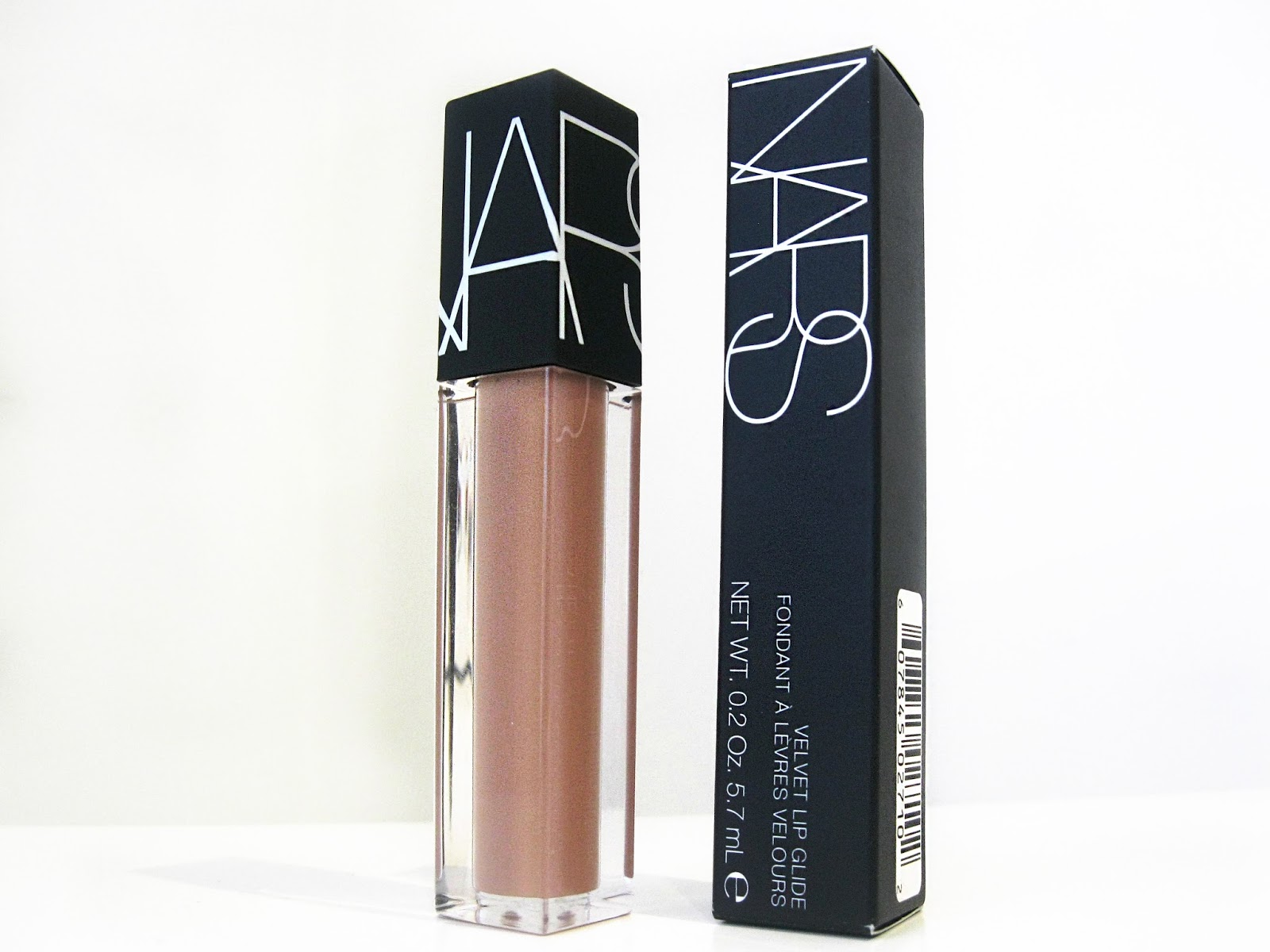 nars, nars velvet lip glide, nars review, liquid lipstick, nude lipsticks for pale skin, non drying liquid lipstick, nars velvet lip glide review, nars stripped, nars velvet lip glide stripped,