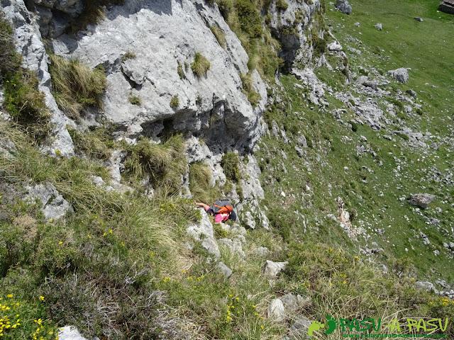 Ruta al Cantu Ceñal: Opción de subida con trepada