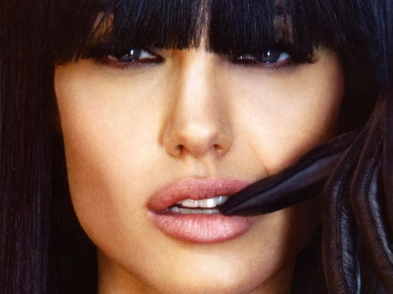 Angelina Jolie Hair Styles: Angelina Jolie Hairstyles
