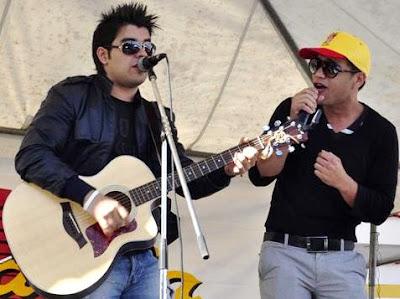 Foto de DuoSway en el escenario