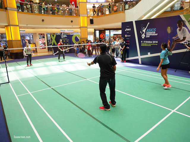 During the pre-event activation, the public had a chance to play against national athletes for a chance to win ASICS merchandise.
