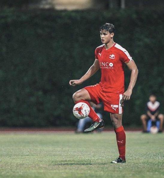 Pemain Bola Sepak Adik Beradik Singapura Yang Kacak Bergaya