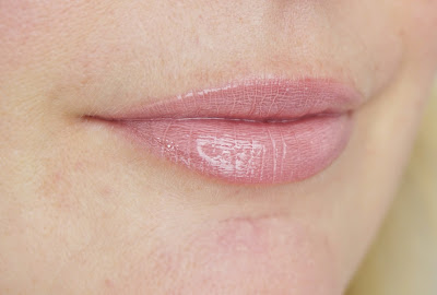 Catrice Neuheiten Herbst Winter 2015 - Shine Appeal Fluid Lipstick (010 To Be ContiNUDEd)