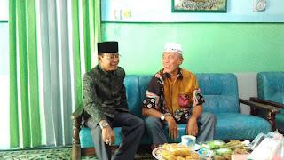 <b>Dinilai Sukses Pimpin Kota Mataram, Pimpinan Ponpes Darunnajah Duman Dukung Ahyar Abduh</b>