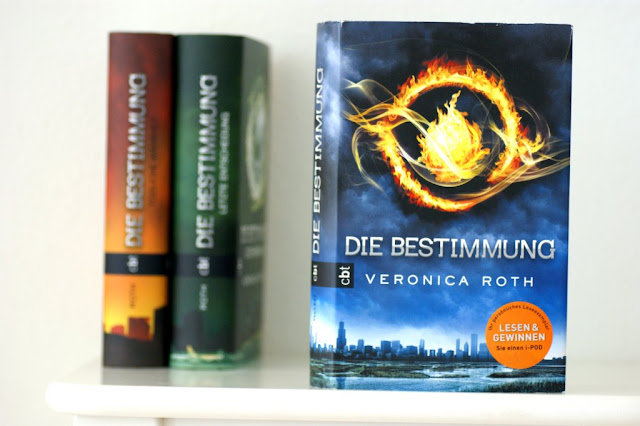 "Rezension ""Die Bestimmung"" von Veronica Roth www.nanawhatelse.at Der Salzburger Buch-Blog."