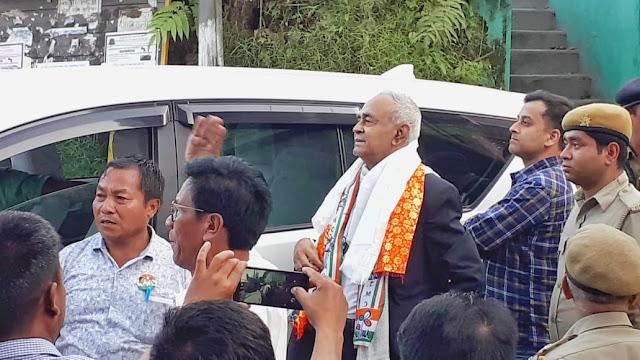 Minister Abdur Razzak Molla in Mungpoo