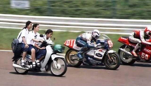 Cuộc đua nữ xế - hài hước giao thông Việt Nam