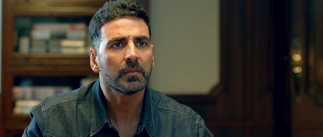 Airlift (2016) 3