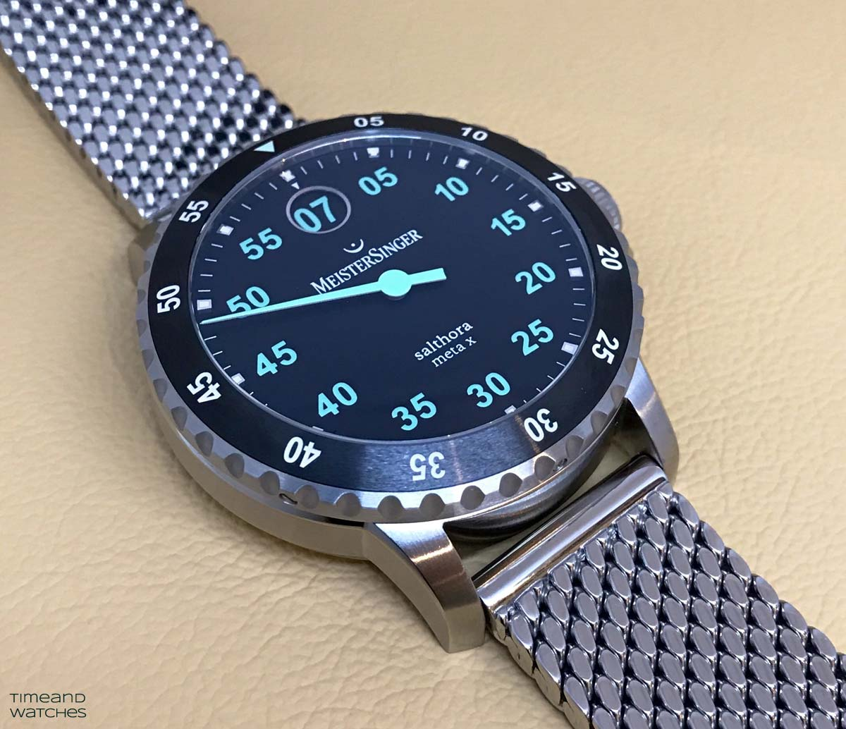... a proprietary jumping hour system 5ff2c60707