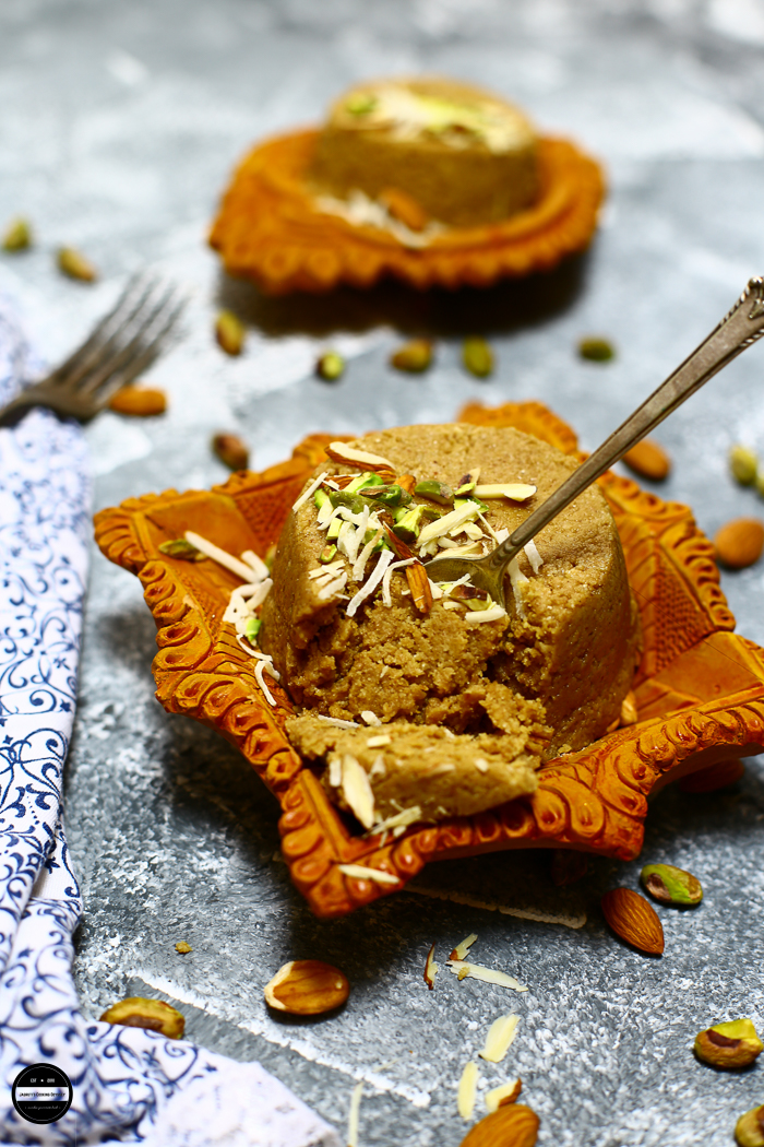 Kachariyu is a traditional Gujarati delicacy which is eaten during winter times and made with very basic ingredients such as sesame seeds, Jaggery and Peanuts. It is very healthy and nutritious.