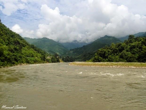 Raggiungendo Pokhara, fiume Trisuli