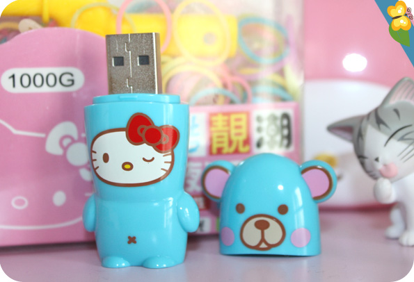clé USB Mimobot Hello Kitty Bear par Mimoco