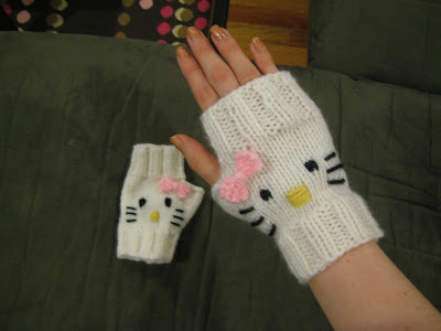 Hello Kitty Fingerless Mitts