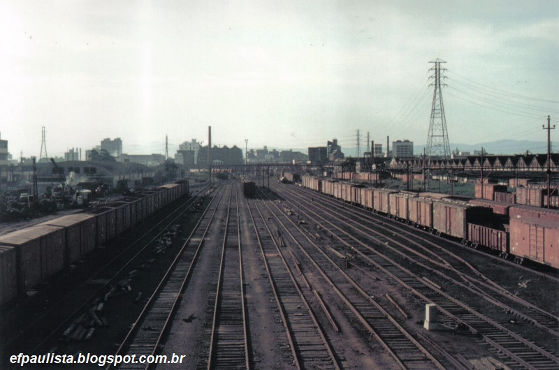 b33cf5daa31a5 O grande pátio de manobras entre as estações da Mooca e do Ipiranga.  Fotografia de Octávio Kohler
