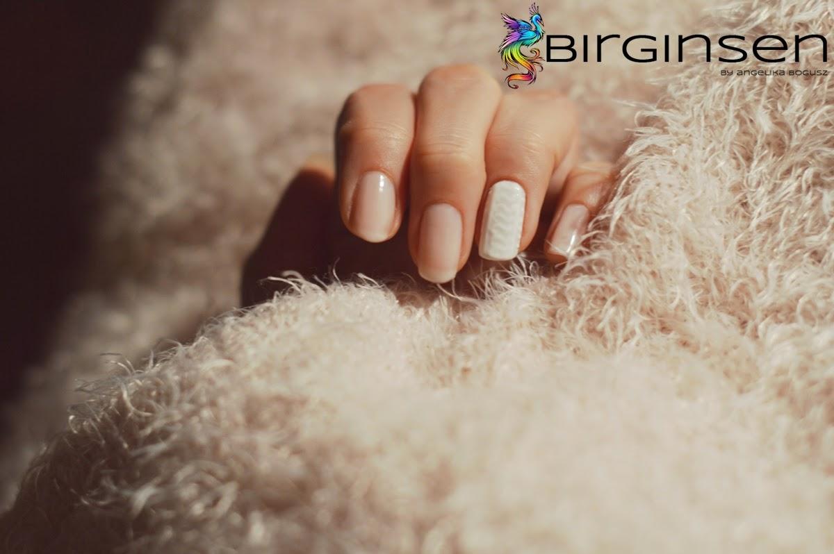 sweterek zdobienie paznokci