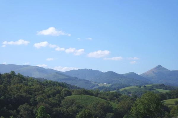 pays basque ainhoa randonnée facile pyrénées panoramique la rhune