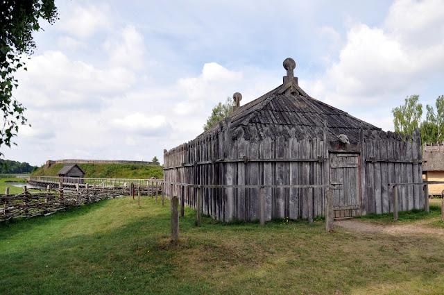 Gross Raden - słowiański gród i świątynia