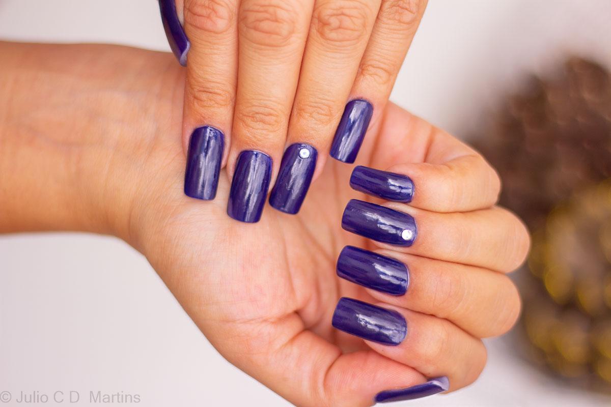 Unhas da semana: Esmalte Azul Urban da Revlon com Alongamento em Acrílico