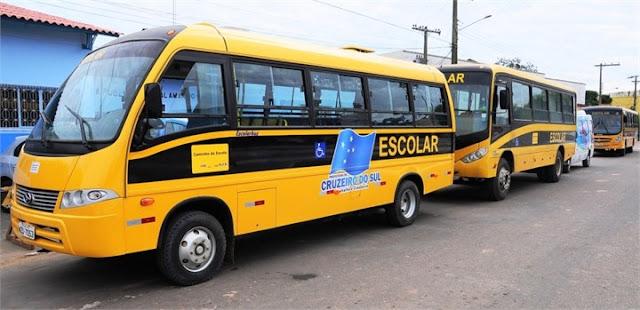 Prefeitura de Cruzeiro do Sul negligência e cerca de 400 alunos deixam de ir a escola por falta de transporte