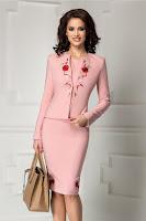 Compleu Liza roz pudra rochie sacou cu broderie