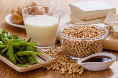Sữa đậu nành là thực phẩm tăng kích thước vòng 1 tuyệt vời cho các chị