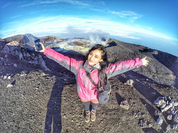 Hasil gambar untuk cantik Gunung Merapi