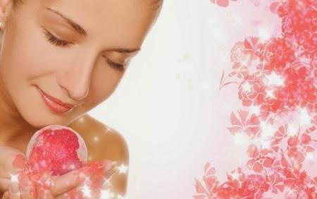 العناية بالبشرة عن طريق ماء الورد
