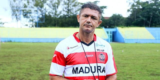 PSCS Waspadai 2 Pemain Semen Padang, Gomes Janjikan Kemenangan Lawan Perseru Serui