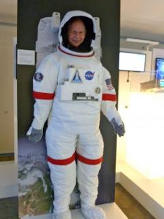 Pierre Scherb en tenue d'astronaute