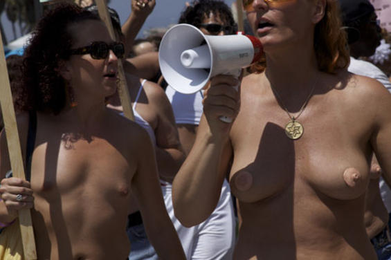 Actress Without Bra And Hot Pics National Go Topless Day -6274