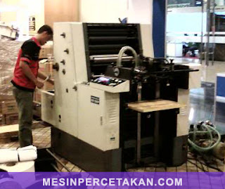 XR Delta 52 | Mesin cetak 1 warna | Size 52 x 36 cm ( 4 form rolls )