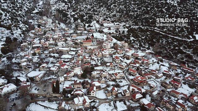 """Δείτε την χιονισμένη Καρυά ή """"Κολοκοτρωνίτσι"""" στην Αργολίδα από ψηλά (βίντεο drone)"""