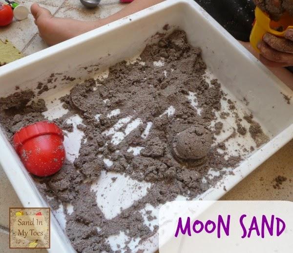 Moon sand play