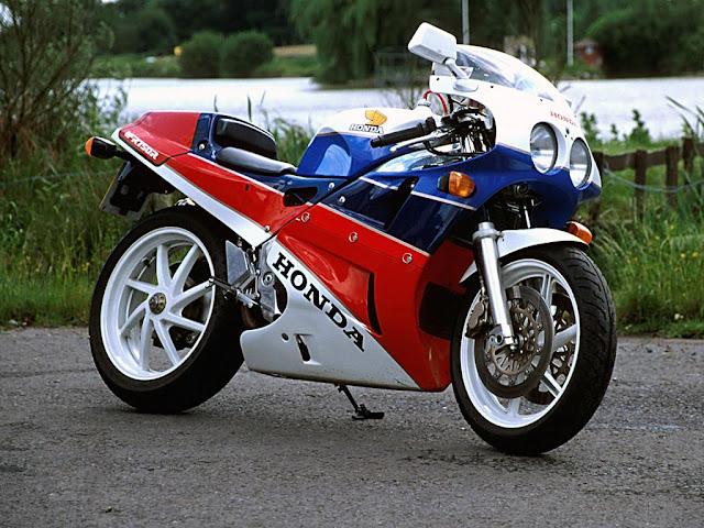 Honda RC30 Tail Look