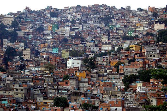 Favela wRio de Janeiro autor: metamorFoseAmBULAante