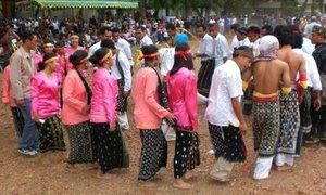 Tradisi Pesta Adat Tahunan novieffendi.com