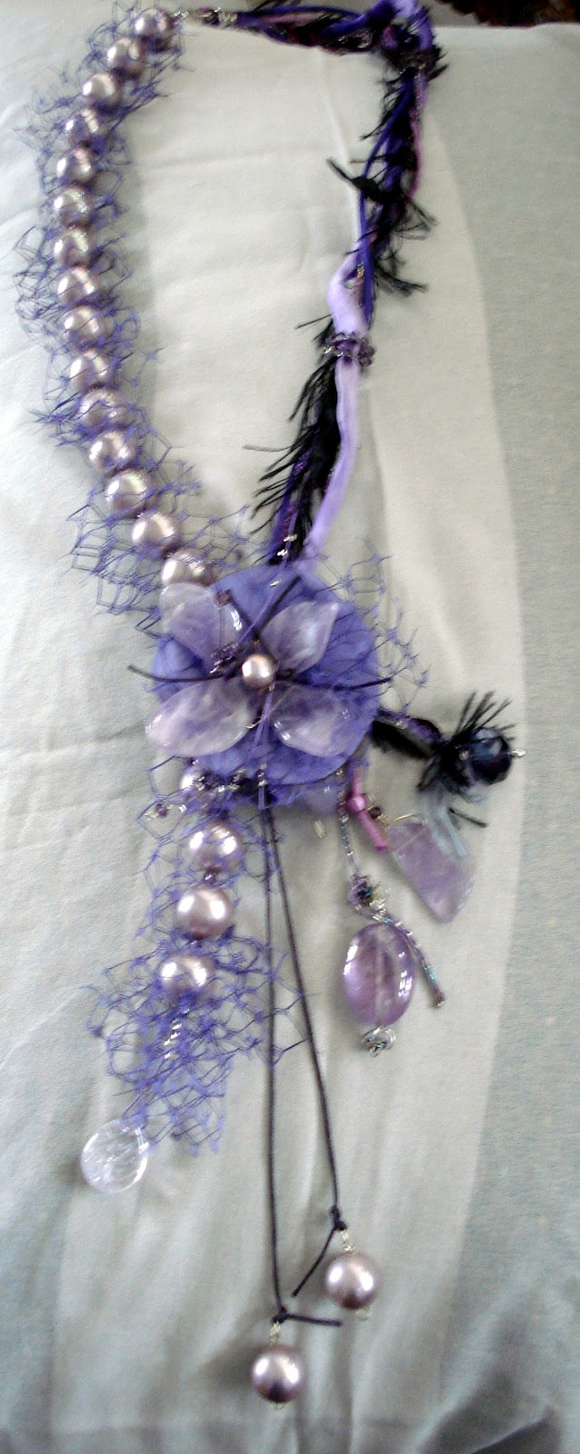 Χειροποίητο ασημένιο κολιέ με μαργαριτάρια και σβαρόφσκι χάντρες. Handmade  silver necklace with pearls and swarovski beads. no.008 c1220e38423