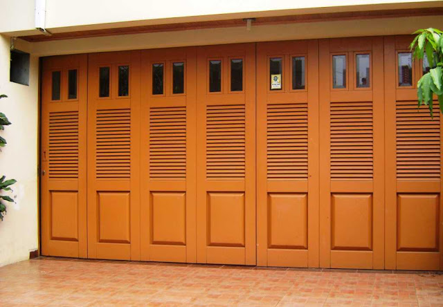 Model Pintu Garasi Rumah Minimalis
