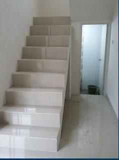 rumah murah pamulang tangga ke lantai atas 2