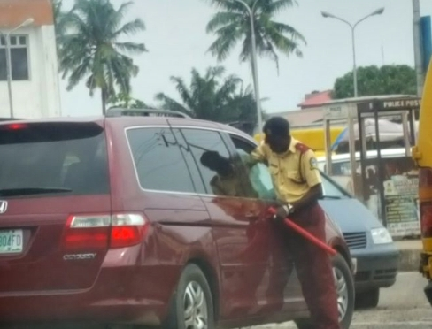 LASTMA Officer Begs After Hand Was Locked When He Tried To Enter A Man's Car